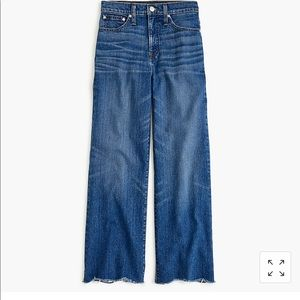 Wide-leg cropped jean with chewed hems